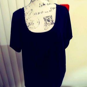 Torrid black top. Short sleeves. Keyhole back
